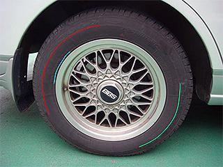タイヤのサイズと銘柄の見方